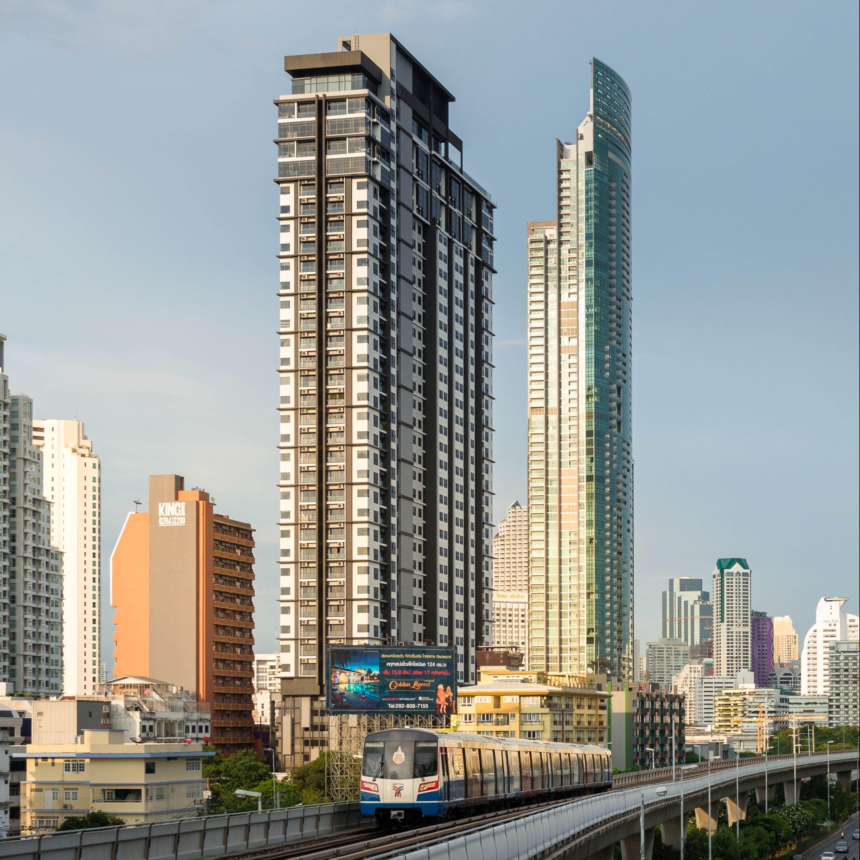 Urbano Absolute Cityscape