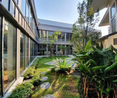 Internal Courtyard 300 the Beaumont Partnership